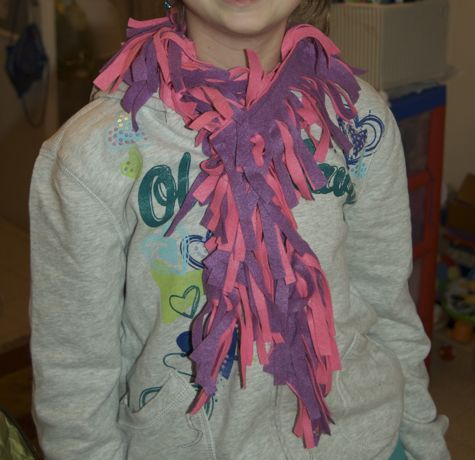 Felt scarf pink and purple