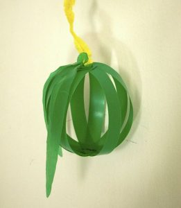 Sukkot hanging apple