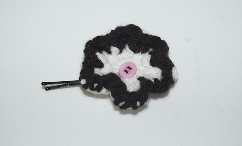 crocheted hair clip with button from birkat chaverim