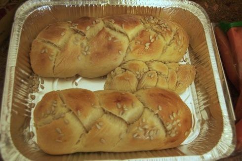 Homemade Challa bread machine recipe via birkat chaverim