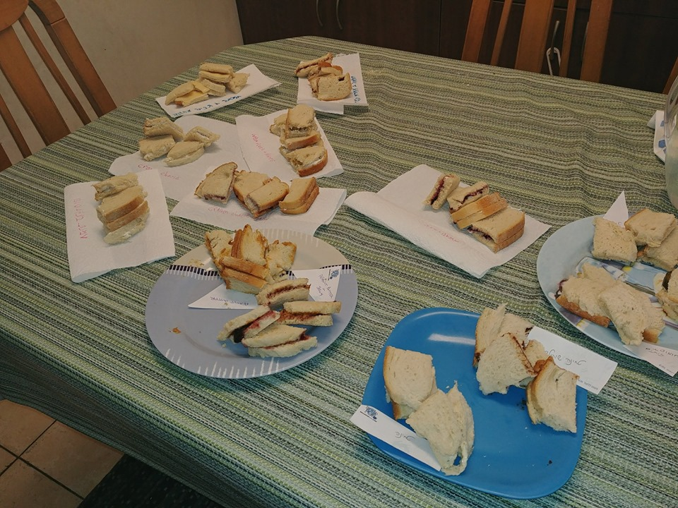 Cut sandwiches for a family lunchbox sandwich taste test
